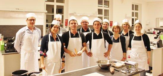 Demonstrtion crepes cours enfant picture of p 39 tit chef for Academy de cuisine