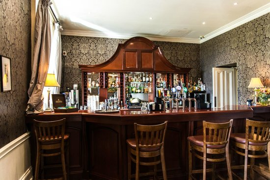 Lyrath Estate Hotel & Spa: The bar in the lounge