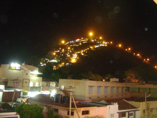 Hotel Vels Court: Night View from Room!