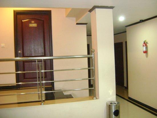 Hotel Vels Court: It's Passage!.