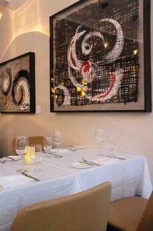 Le Saint-Sulpice : Salle de restaurant