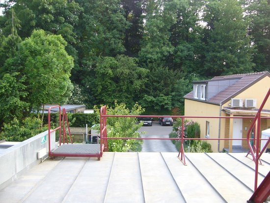 Hotel Belle Vue : View from room over the rear garden