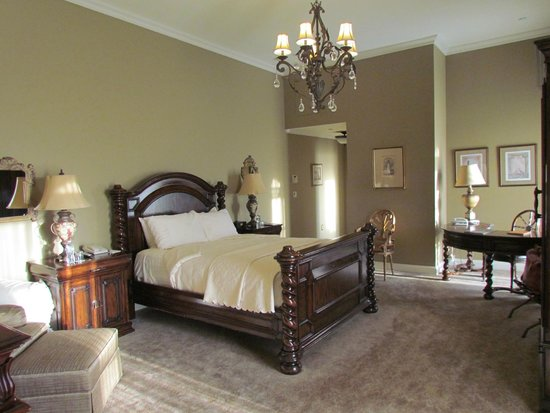 Oheka Castle: Our second room