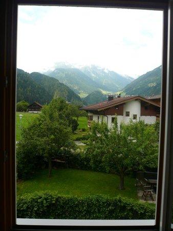 Hotel Garni Austria : vista dalla finestra