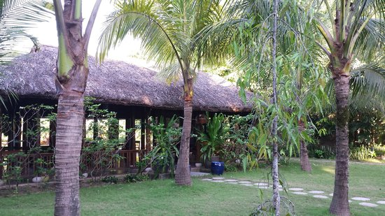 Victoria Hoi An Beach Resort & Spa: area colazione