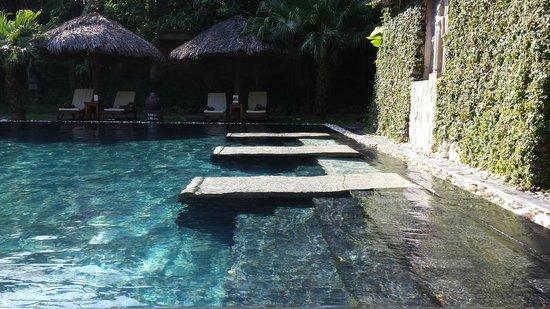 Victoria Hoi An Beach Resort & Spa: Bordo piscina