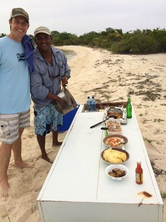 Reserva Marina Hol Chan: after snorkeling , John, our guide made us a beach bbq