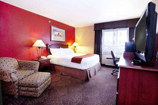 Holiday Inn Express Jamestown: Single queen room