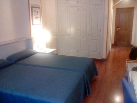 Hotel Monte Puertatierra: Detalle de la habitación doble