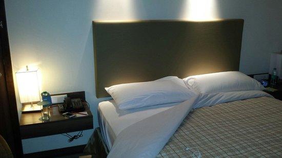 Four Points by Sheraton Navi Mumbai, Vashi : Bedroom