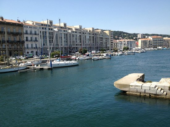 Hotel le National: around Sete(half mile from hotel)