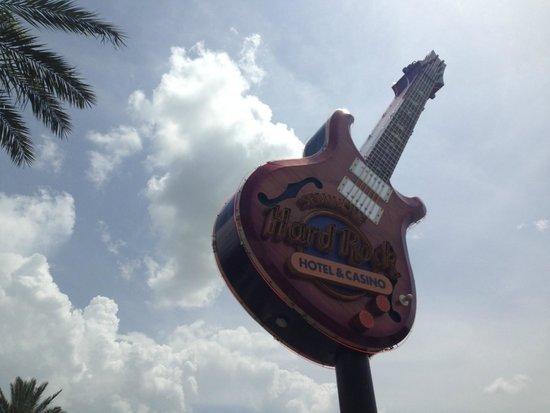 Seminole Hard Rock Hotel Tampa : Famous Hard Rock guitar