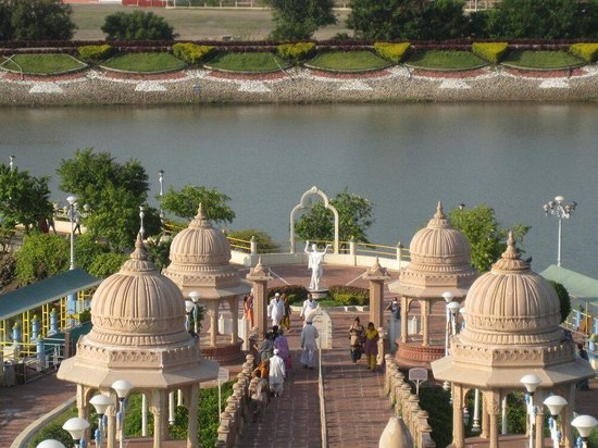 Buldana, Indien: Anand Sagar, Shegaon, Buldhana District.  Photo by Dhairyashil.