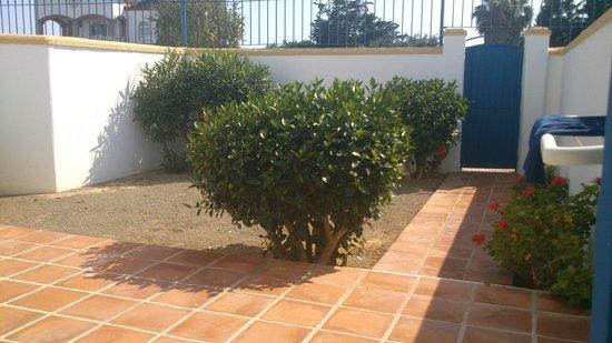 Apartamentos El Minarete: jardin