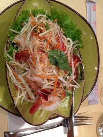 PARADIS THAI : salade thaï aux crevettes, à la citronelle (sans concombre ni poivron pour moi)