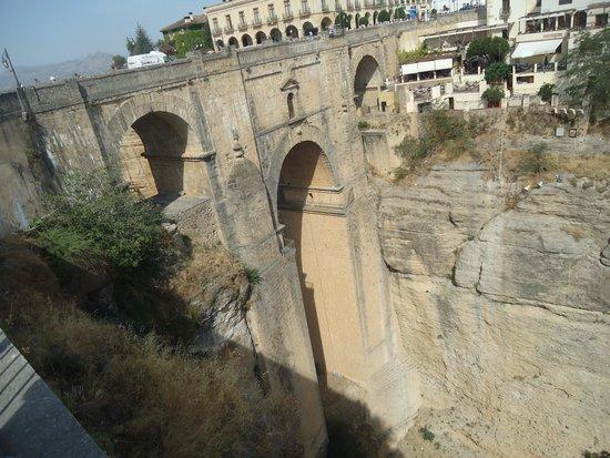"""La Ciudad : """"Puente Nueva """""""