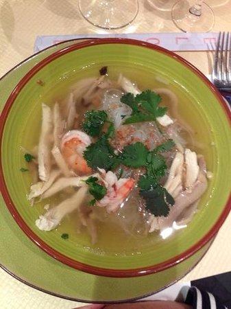 PARADIS THAI : soupe chinoise de vermicelle au poulet (je crois)