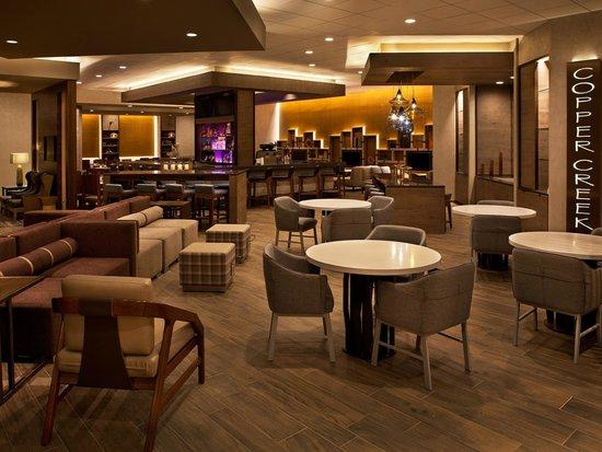 Denver Marriott West: Lobby Lounge area
