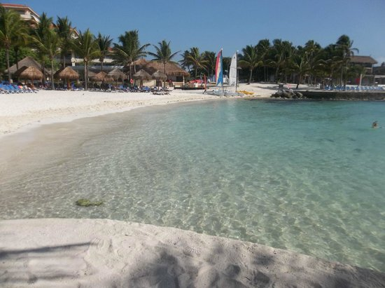 Dreams Puerto Aventuras Resort & Spa: Beautiful beach
