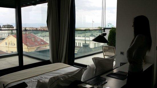 Sense Hotel Sofia: Chambre