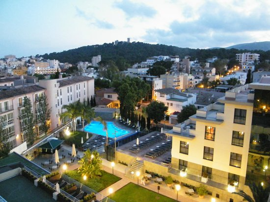 Hotel Isla Mallorca & Spa: From the balcony when it gets dark