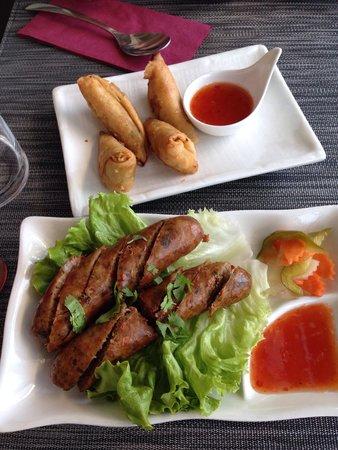 0 Bamboo : Samoussa poulet. Chicken roll Saucisse thaï. Thai sausage