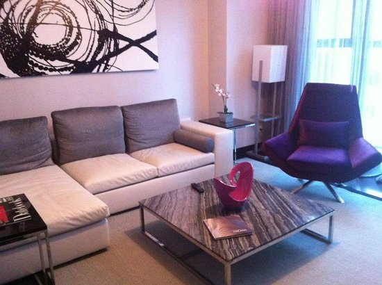 Ivy Boutique Hotel : Living room area... Very spacious!