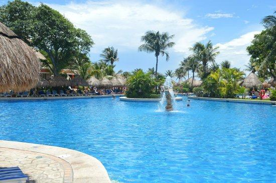 Iberostar Tucan Hotel: clean pools