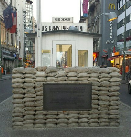 """Mauermuseum - Museum Haus am Checkpoint Charlie: Go in the evening when it's less crowded and the """"guards"""" are gone."""