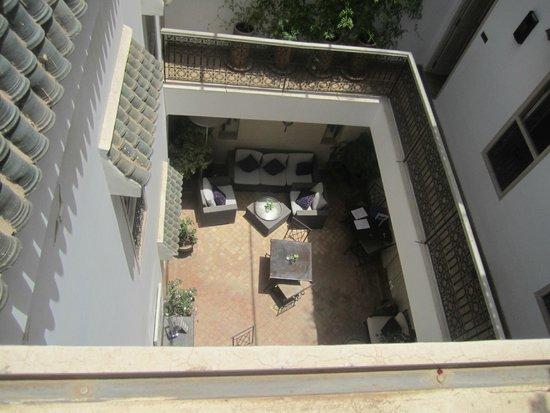 Riad Princesse Jamila: patio vue de la terrasse