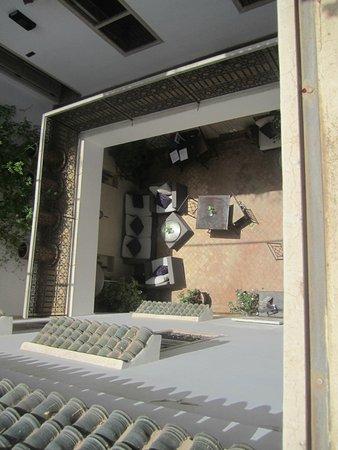 Riad Princesse Jamila : patio vue de la terrasse