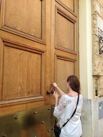 Castel Sant'Angelo Inn : Front door