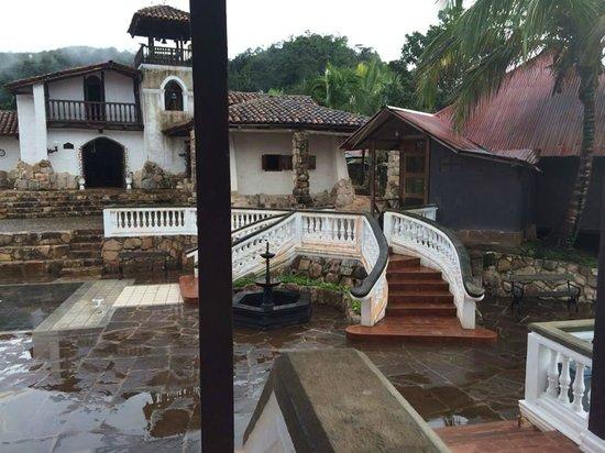 Hotel Lago Lindo: The Hotel
