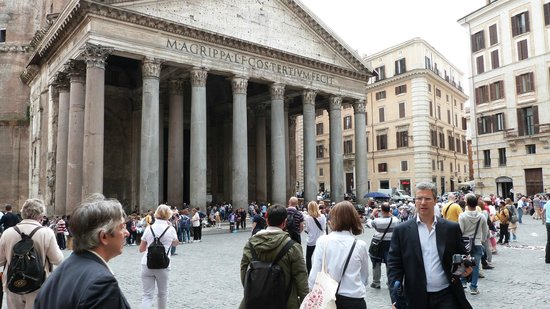 LivItaly Tours: The Pantheon- maybe the most impressive of the tour!
