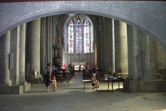 Église Saint-Nazaire : inside