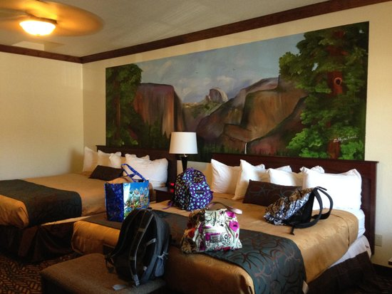 Best Western Plus Yosemite Gateway Inn: 2 king room.