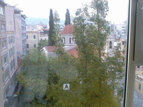 Arion Athens Hotel: Vue de notre chambre de face