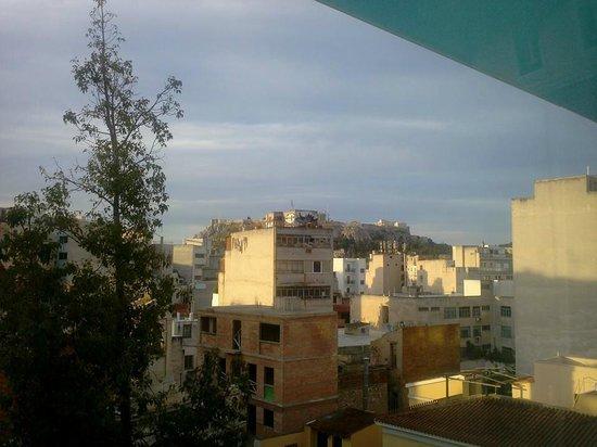 Arion Athens Hotel : Vue légèrement à droite sur le Parthénon