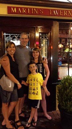 Martin's Tavern: Family loved it!
