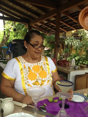 Patio Mexica Cooking School : Getting schooled in Margarita making
