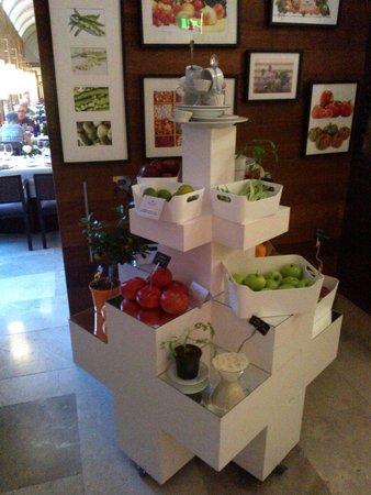 Parador de Alcalá de Henares: Decoración en comedor