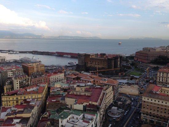 NH Napoli Ambassador : Vista dalla camera