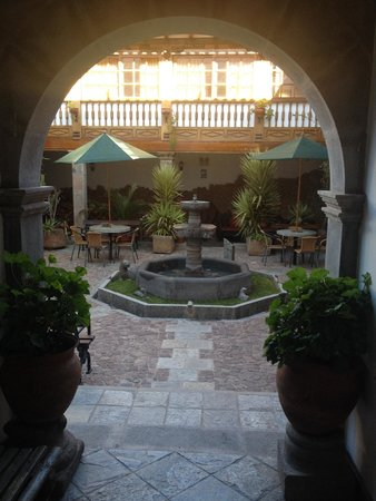 Hotel Rumi Punku: One of several courtyards