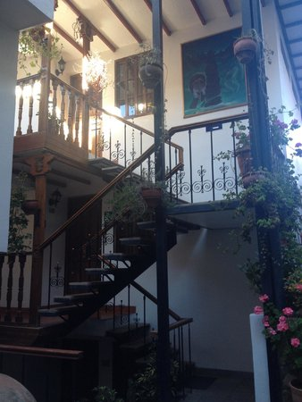 Hotel Rumi Punku: Stairs