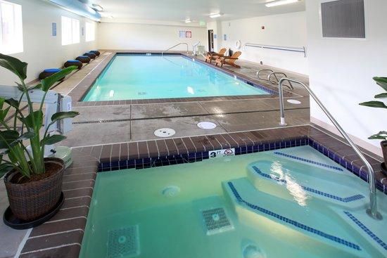 River Inn at Seaside : Pool & Hot Tub