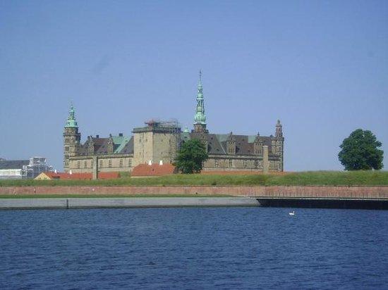 Kronborg Castle: Castillo de Kronborg, Helsingor, Dinamarca.