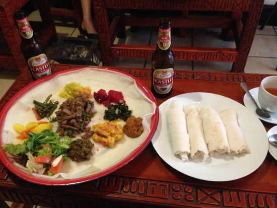 Little Ethiopia: Lunch is served