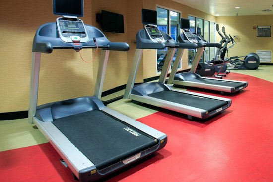 DoubleTree by Hilton Hotel Savannah Airport: 24 Hour Fitness Center with Precore Equipment