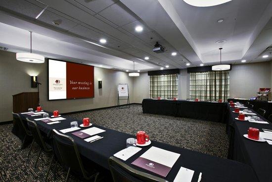 DoubleTree by Hilton Hotel Savannah Airport: Forsyth Meeting Room