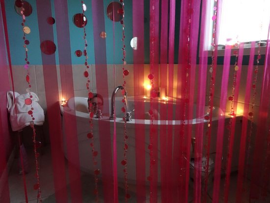 at the Waters Edge: Honeymoon Room Jacuzzi